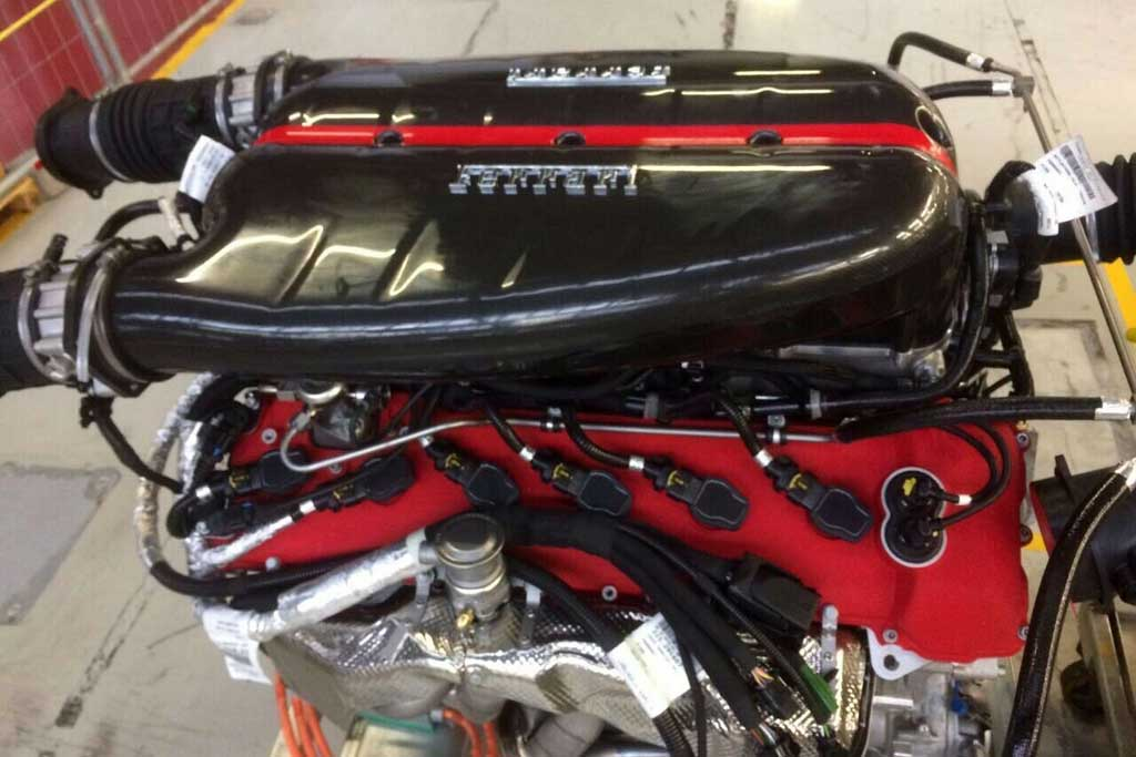 Двигатель LaFerrari