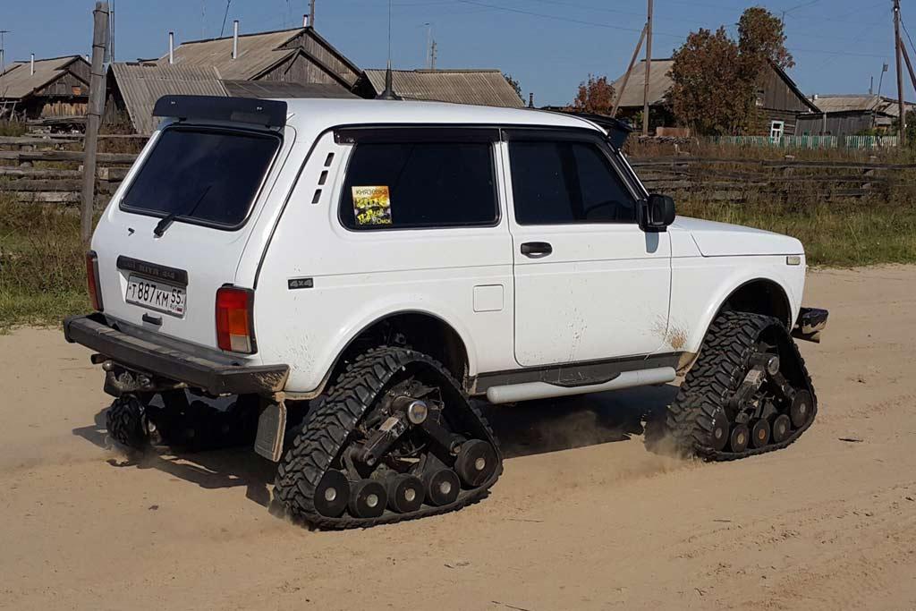 Lada 4x4 на гусеницах