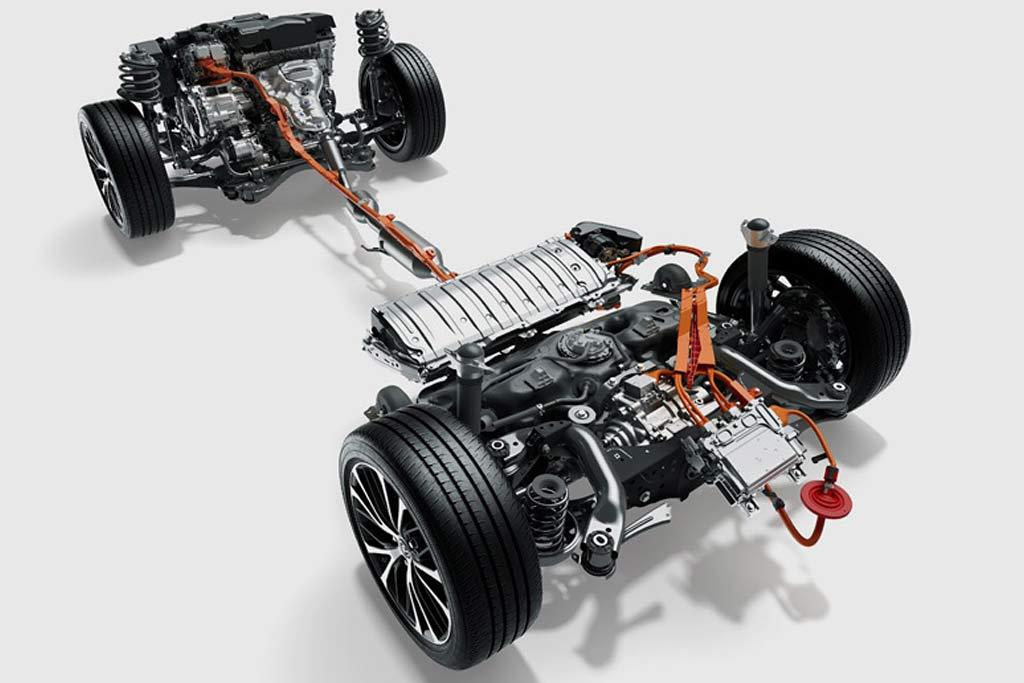 Toyota Camry e-Four