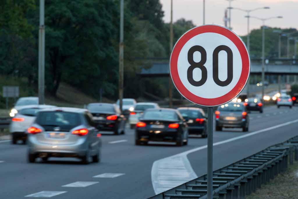 Долго думали и решили: нештрафуемый порог превышения скорости все же снизят до 10 км/ч