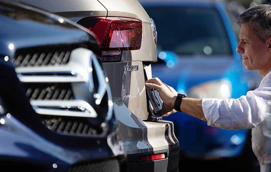 Процесс выдачи номерных знаков на новые авто в салонах дилеров забуксовал