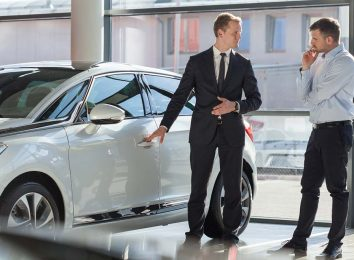 Торг в автосалоне
