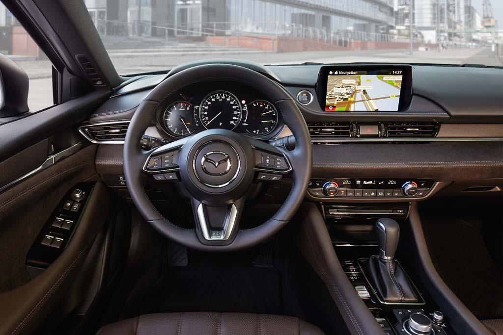 Салон Mazda 6 2020