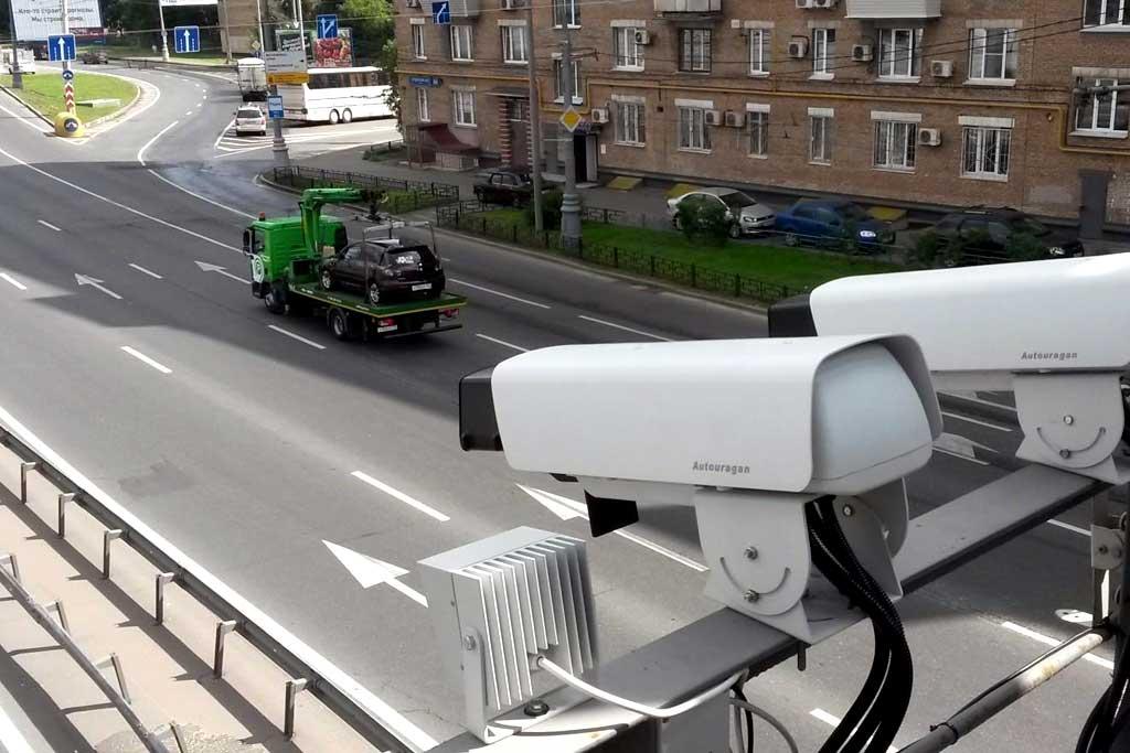 Дорожные камеры в Москве научили выявлять машины без пропуска: будут большие штрафы