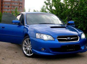 Безрамочные двери Subaru
