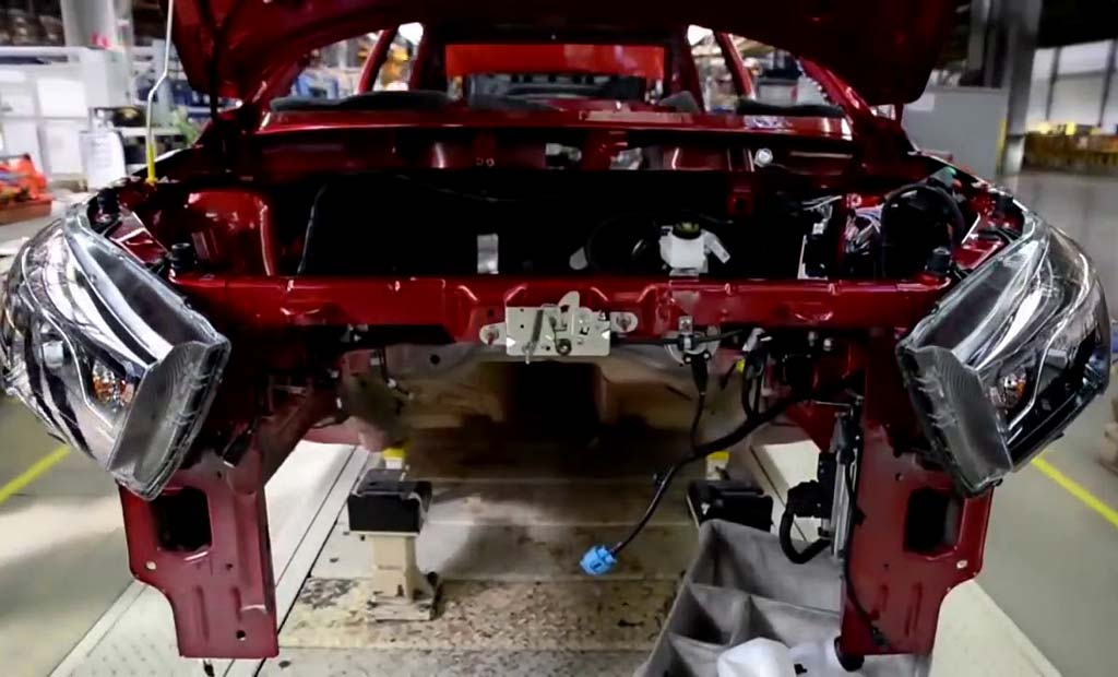 Блогер попытался собрать Lada Vesta по запчастям чтобы сэкономить: эксперимент провалился