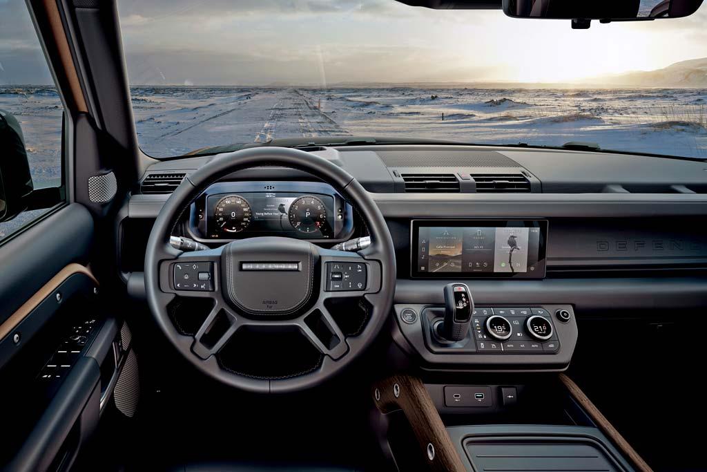 Желающим одними из первых купить новый Land Rover Defender придется раскошелиться
