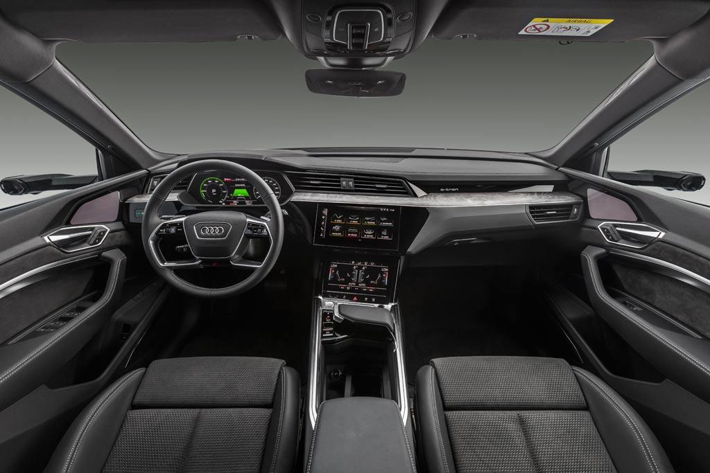Электрический кроссовер Audi e-tron можно купить в России: известны цены
