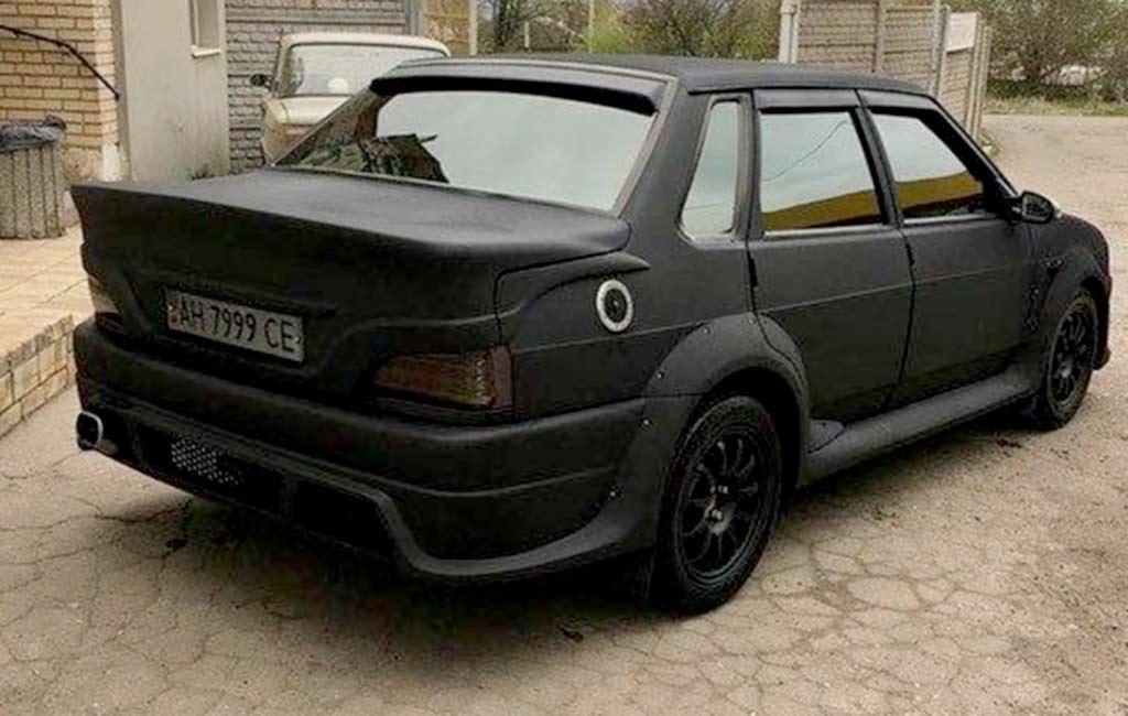 По капотом этой «пятнашки» табун из 400 л.с.: стоит ли такая машина 1,2 млн рублей?