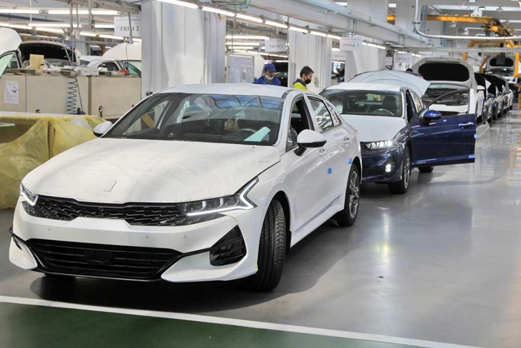В Калининграде начался выпуск модели KIA K5: когда ждать машины у дилеров