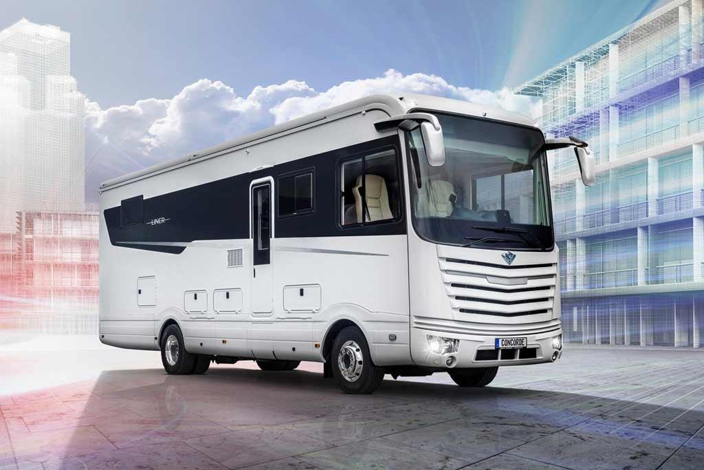 Уровень комфорта как в хорошем отеле: Mercedes Atego превратили в дом на колесах