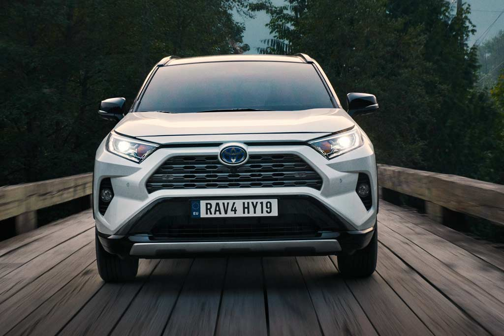 Новая модель Toyota RAV4 2020