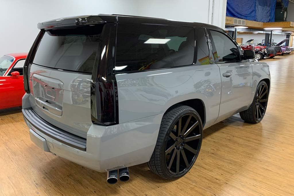 Делать было нечего: в мастерской распилили Chevrolet Suburban и сделали из него купе