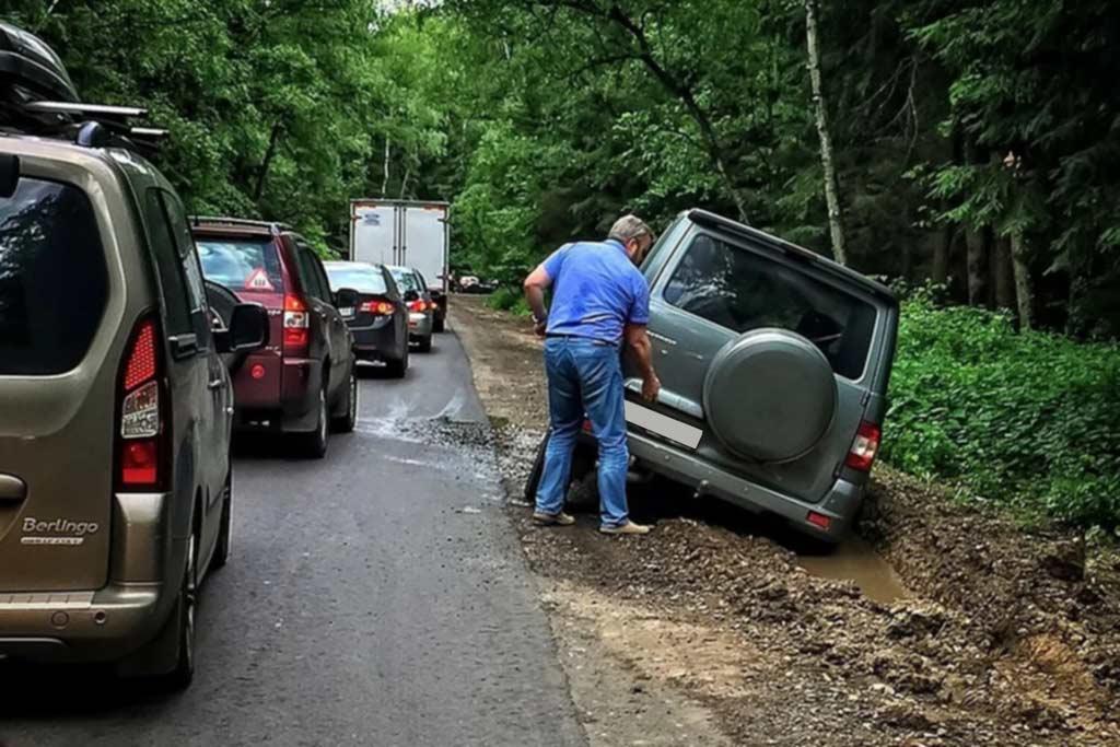 Как не наломать дров при езде в ливень: 7 правил безопасного вождения в дождь