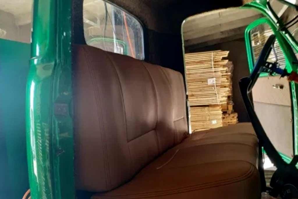 Мастера переделали ГАЗ-63 в монстр-трак: теперь эта «игрушка» продается за ₽2 млн.