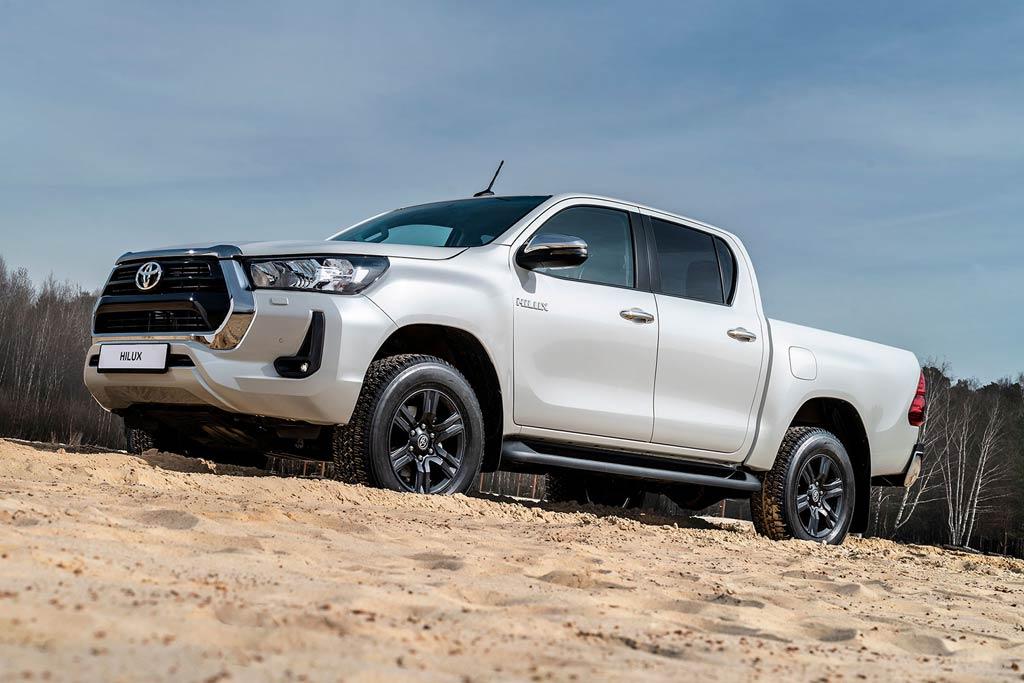 Купить Toyota Hilux 2020
