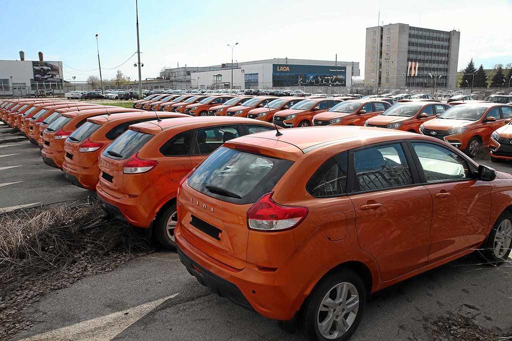 АвтоВАЗ загрузили по полной: правительство оформило госзаказ разом на 15 000 машин