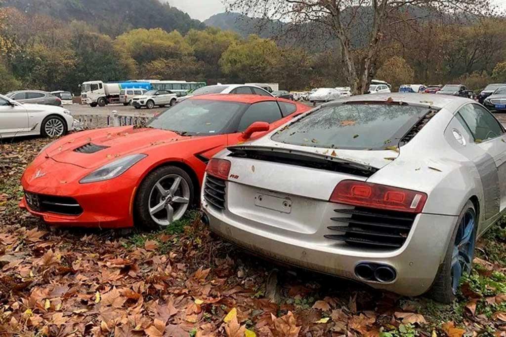 Ни денег, ни машин: в Китае под открытым небом гниют люксовые авто