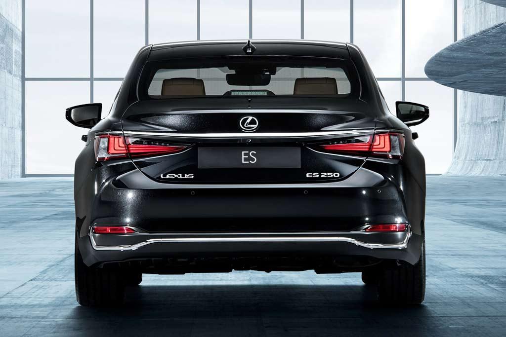 Lexus ES 250 Advance: в России открыли прием заказов на седан в новой комплектации