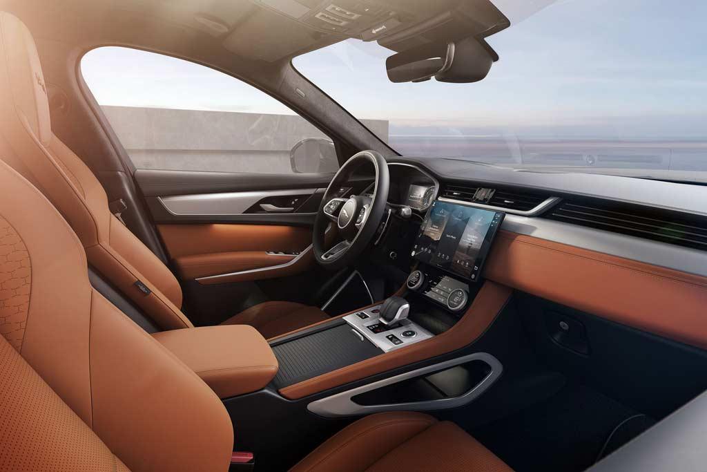 Новый Jaguar F-Pace 2021 получил шикарный салон: что еще интересного?
