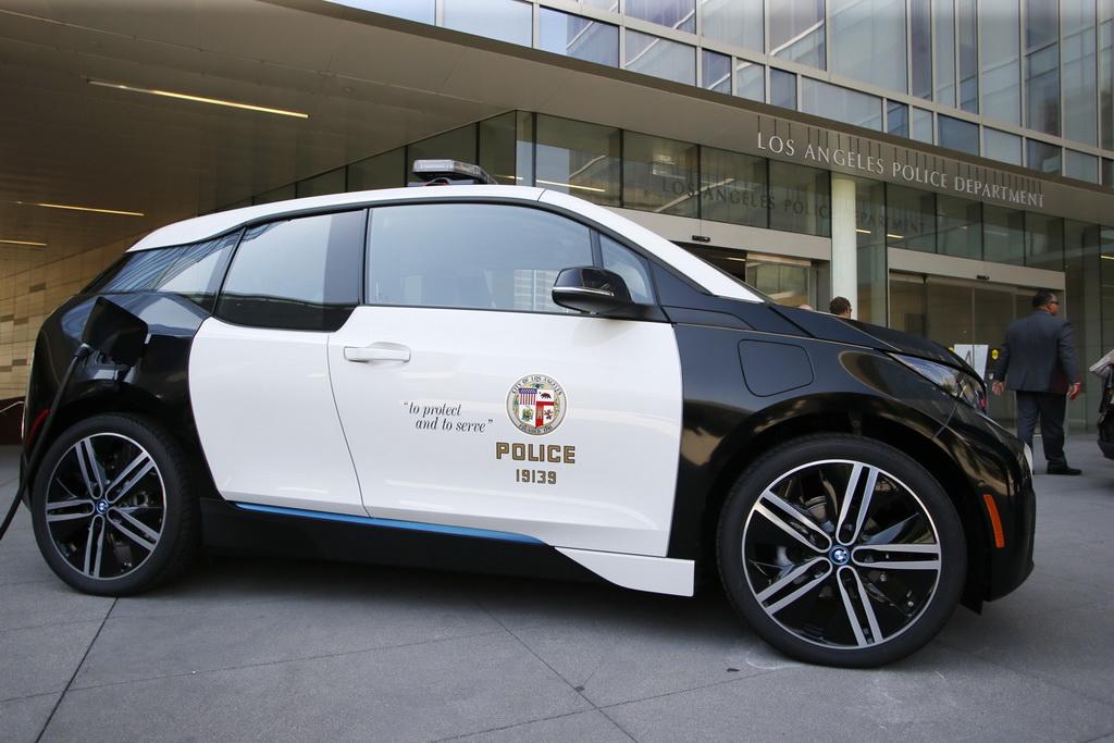 10 млн долларов коту под хвост: BMW i3 оказались непригодны для работы в полиции