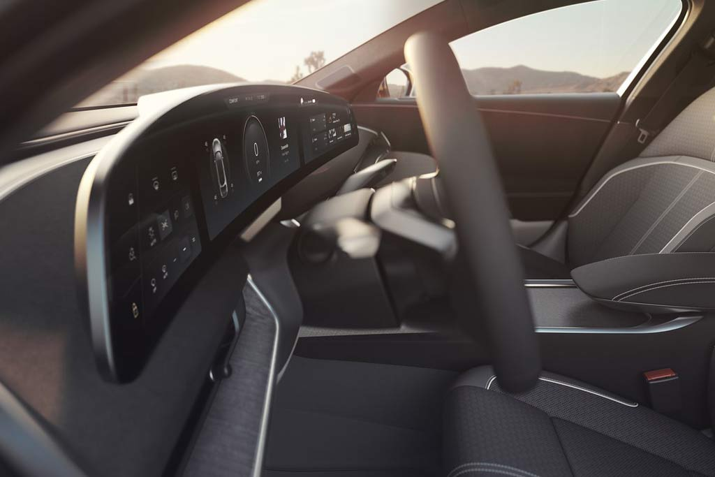 Представлен серийный Lucid Air: грозный конкурент для Теслы и Porsche Taycan