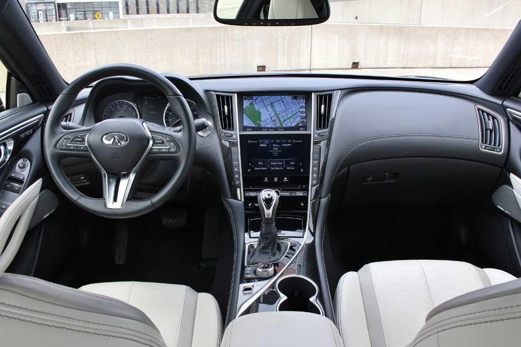 В Инфинити придумали как сделать купе Q60 почти на миллион дешевле: поможет ли спросу?