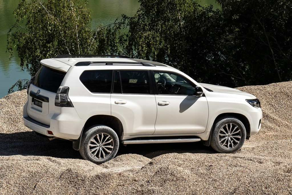 Купить Toyota Land Cruiser Prado 2021
