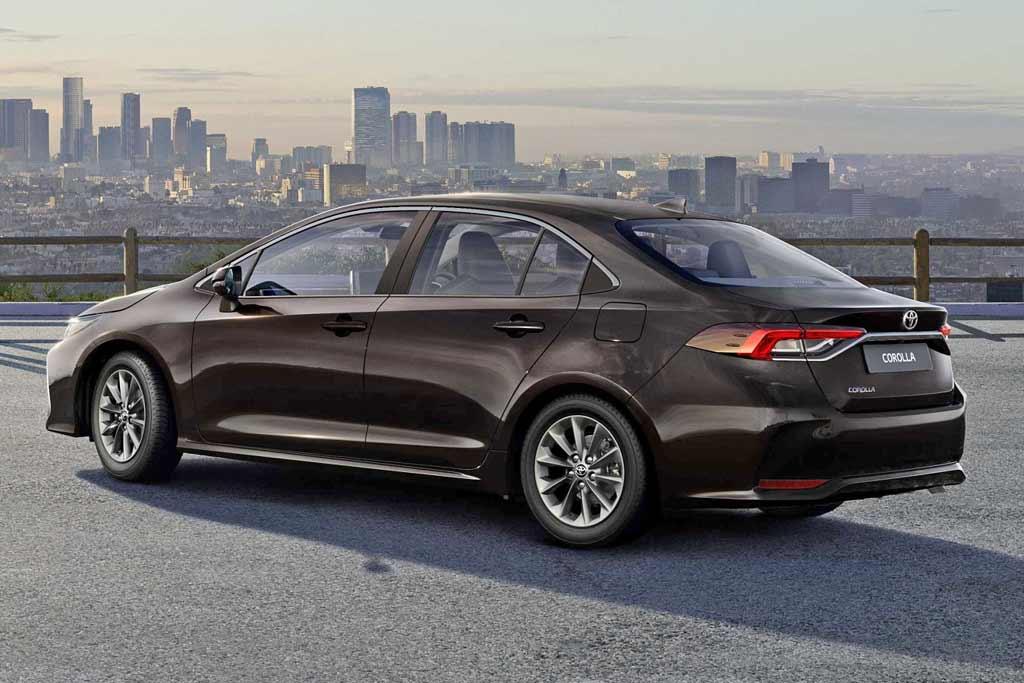 Стоит ли покупать Toyota Corolla 2020: отзывы владельцев, все минусы, комплектации и цены