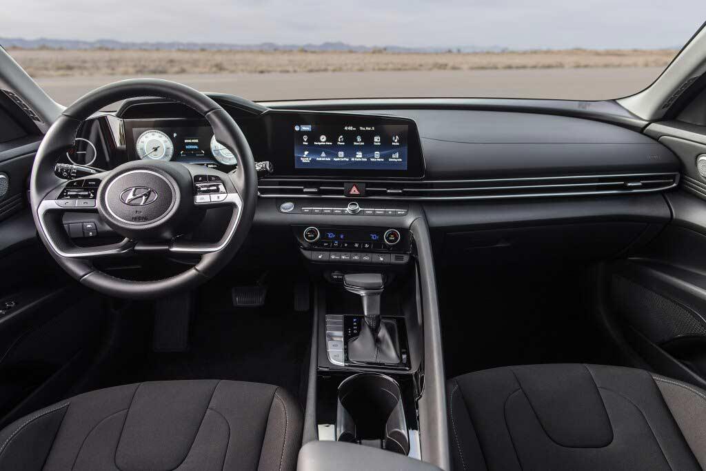 Открыт прием заказов на Hyundai Elantra 2021: озвучен полный прайс-лист