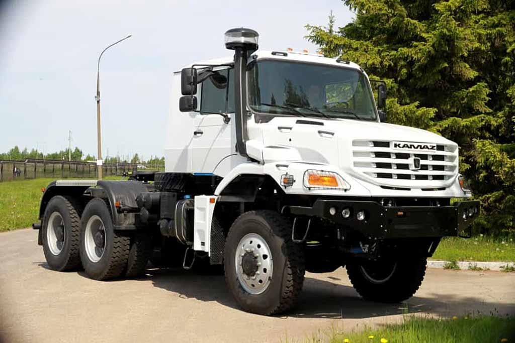 В линейке КАМАЗ появится капотный грузовик с индексом 65223