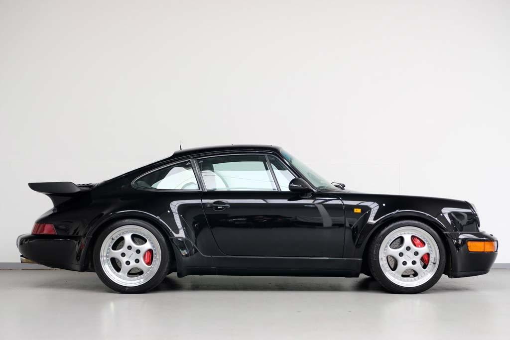 Редкий Porsche 911 Turbo 3.6 1993 года оценили во внушительные 25 млн