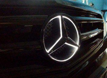 Подсветка логотипа Mercedes