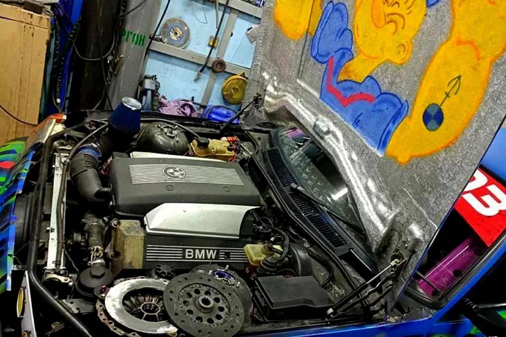 От исходника почти ничего не осталось: «Таврия» для дрифта с движком от BMW