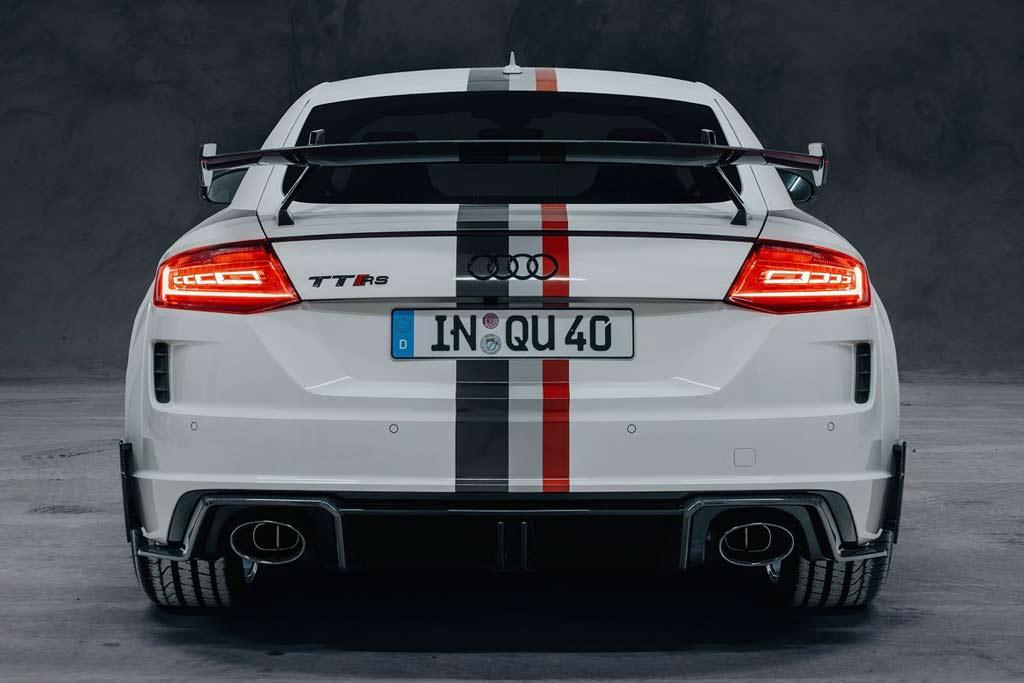 Audi TT RS предстала в спецверсии «40 years of quattro»: тираж сорок машин
