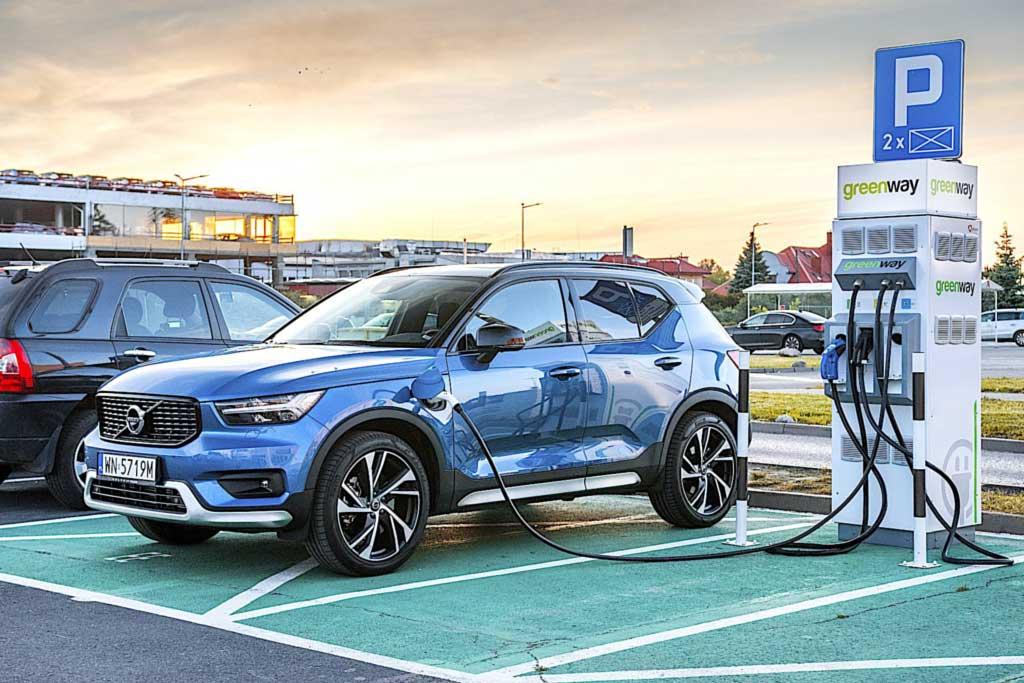 Суровая реальность: пробег электрических Volvo и Polestar ниже заявленного