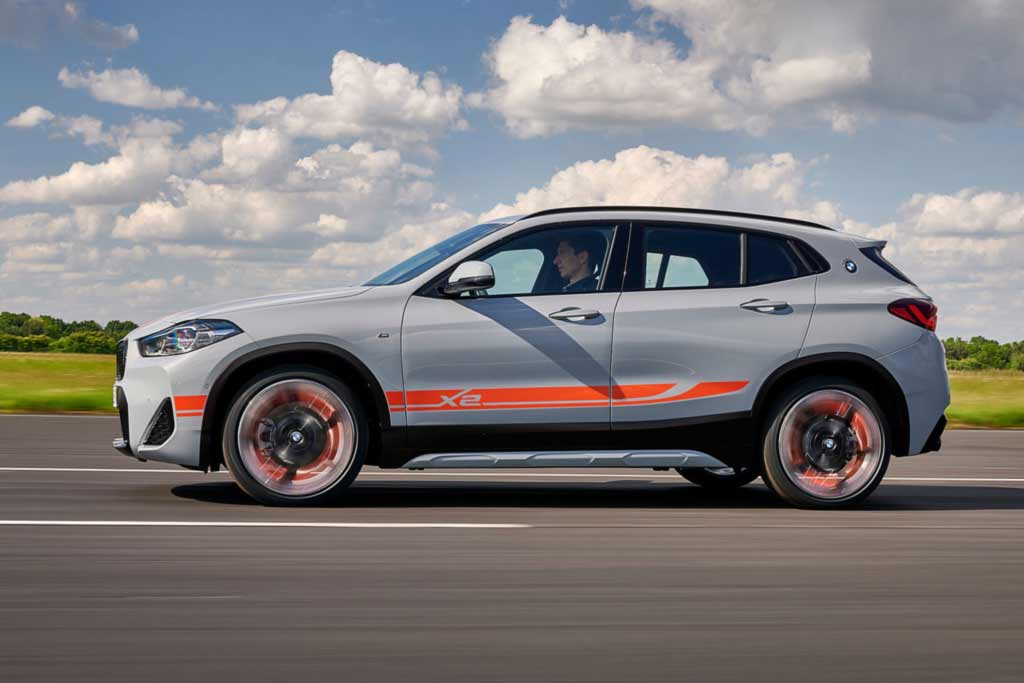 BMW X2 обзавелся особым исполнением M Mesh Edition: такой появится и в России
