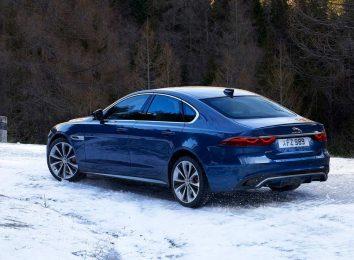 Jaguar XF [year]