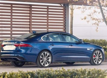 Jaguar XF [year]
