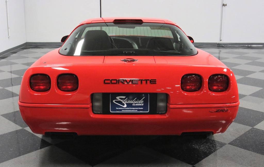 Chevrolet Corvette ZR1 1995 года продается по цене нового C8 Stingray 2021