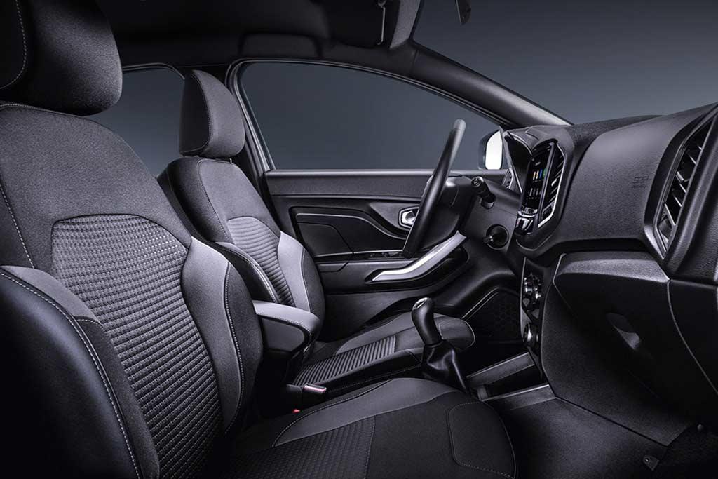 Комплектация [Black] стала доступна для Lada XRAY Cross и 4×4 Urban