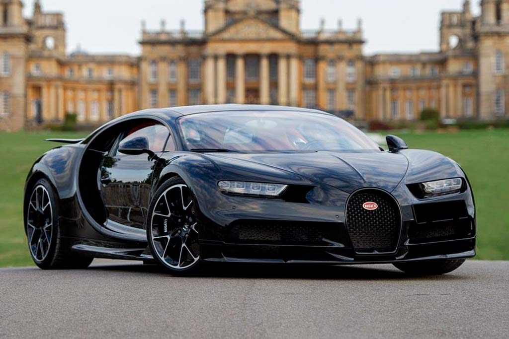 foto chiron rf sale 00 - В Москве продают Bugatti Chiron: идет поиск желающего потратить 225,6 миллионов