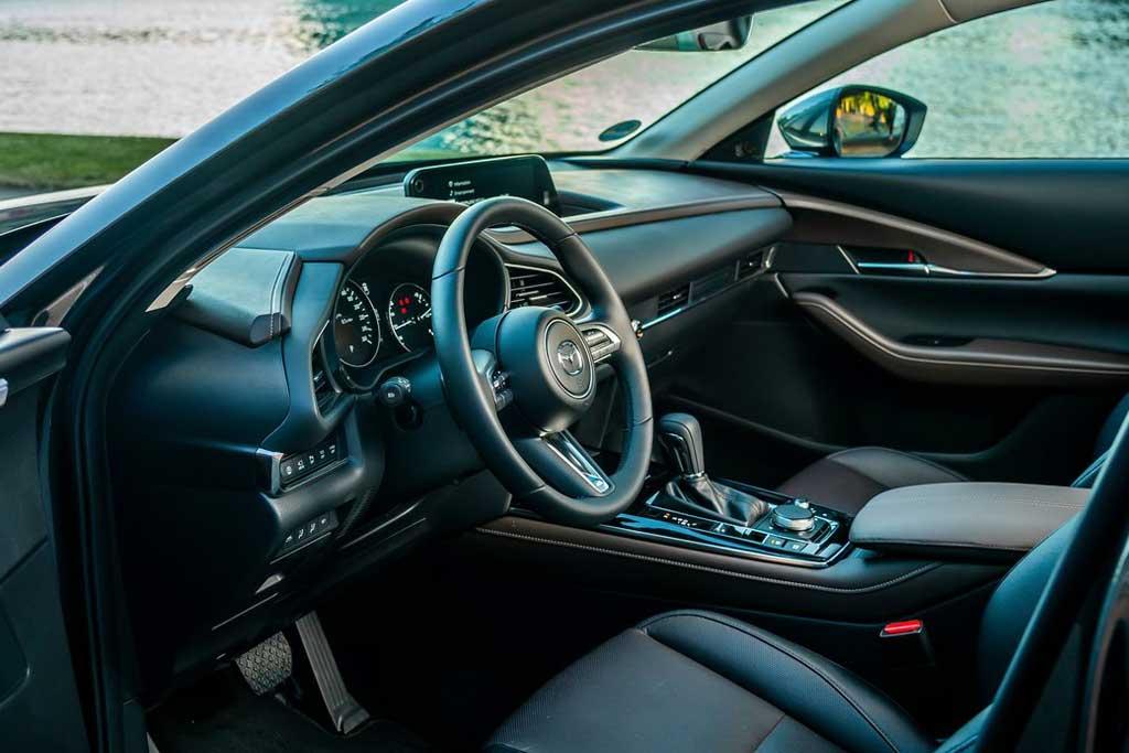 250-сильный кроссовер Mazda CX-30 Turbo: увы не для России