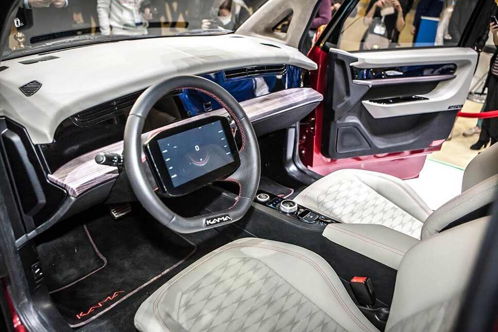 Иностранцы в восторге от российского электромобиля Кама-1