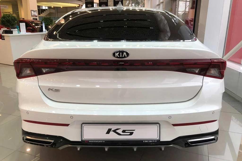 Не скажу что KIA K5 плохая машина: просто она не сильно лучше Оптимы