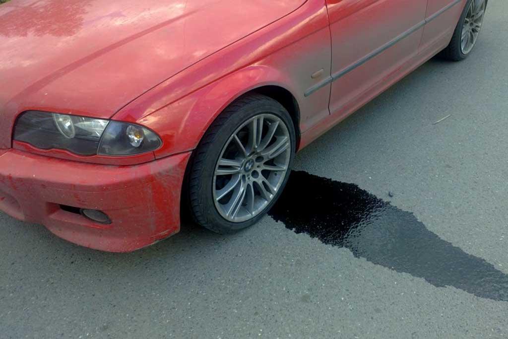 Водитель получил штраф 500 рублей за капающее масло: законно ли это?