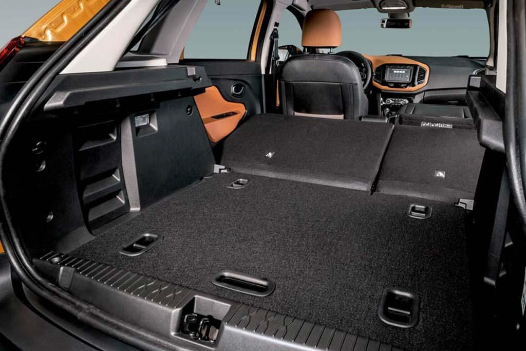Стоит ли покупать Lada XRAY Cross 2020: все минусы, отзывы владельцев, комплектации и цены