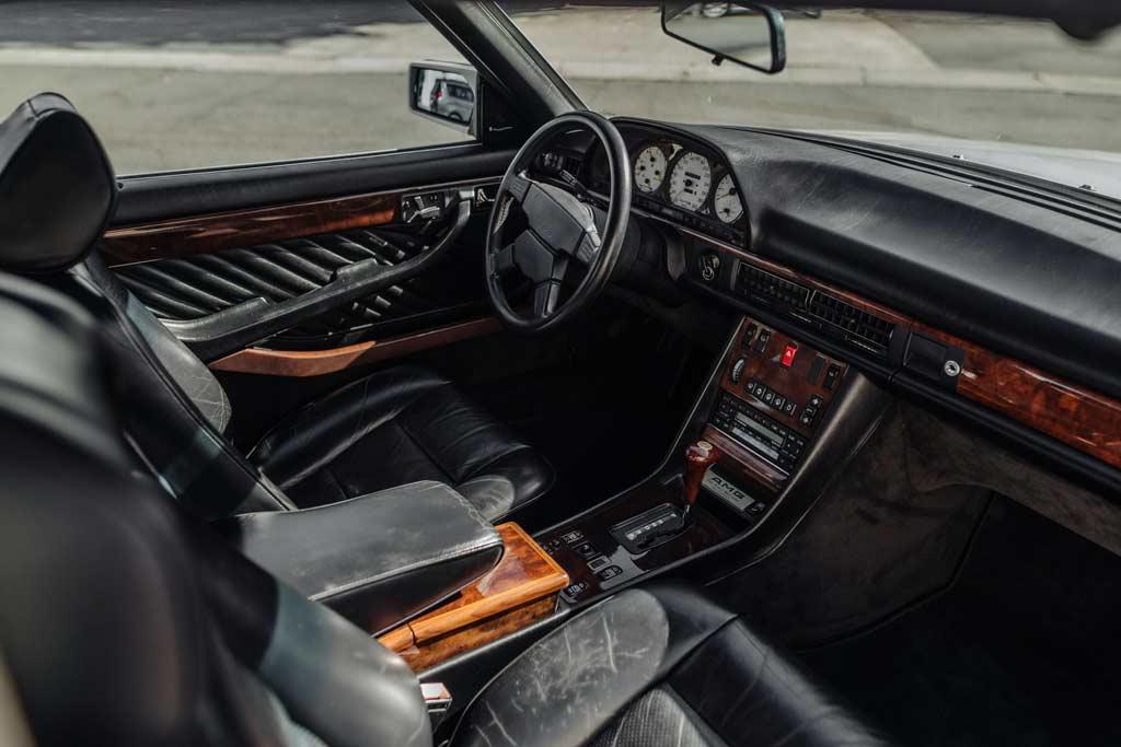 Покупатели поборются за Mercedes 560 SEC AMG 6.0 Widebody со вставками из кожи буйвола