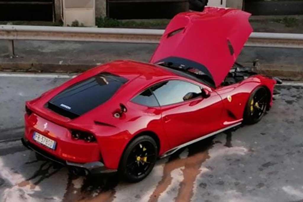 Доверить мойщику 800-сильный Ferrari за $335 000: не лучшая идея