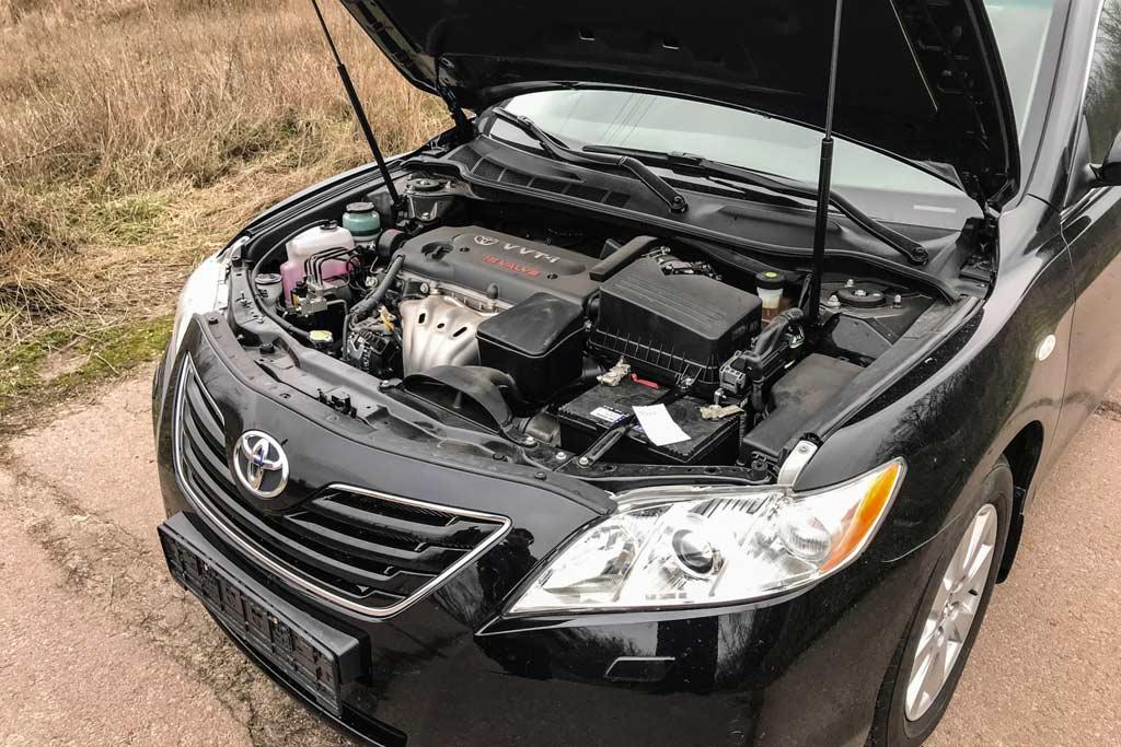 Блогер нашел идеальный экземпляр культовой Toyota Camry XV40 с пробегом 2 000 км